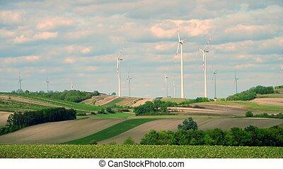 avlägsen, slingra turbiner, och, fält, in, österrike