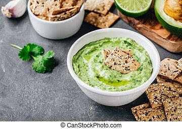 Avocado dip with cilantro and lime - Creamy avocado dip with...