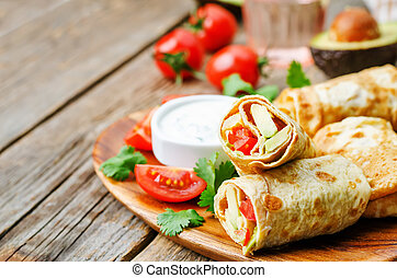 avocado tomato egg roll with cilantro sour dip. the toning....