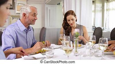 avoir, amis, ensemble, dîner, groupe