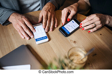 avoir, business, utilisation, midsection, réunion, smartphones., businesspeople, café