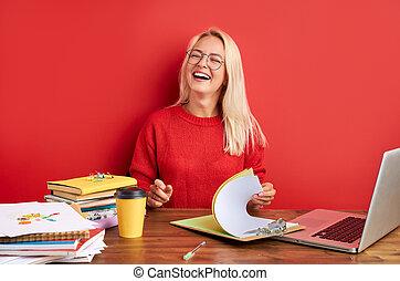 avoir, fou, travail, femme heureuse, amusement, bureau