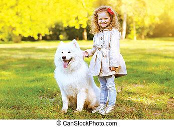 avoir, heureux, amusement, enfant, chaud, dehors, chien, automne, rire