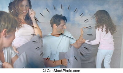 avoir, leur, horloge, maison, amusement, couple, sur, enfants, en mouvement, animation, caucasien
