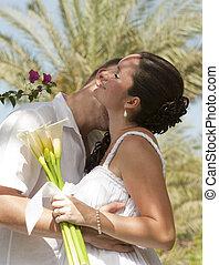 avoir, nouveaux mariés, baiser, romantique