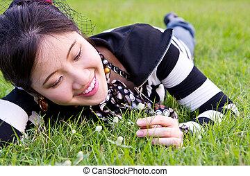 avslappnad, kvinna, Gräs, Asiat