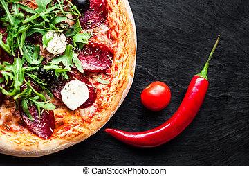azeitona, pimenta pimentões, tomates, eat., ervas, pepperoni, pronto, fresco, pizza, assado, queijo, vermelho