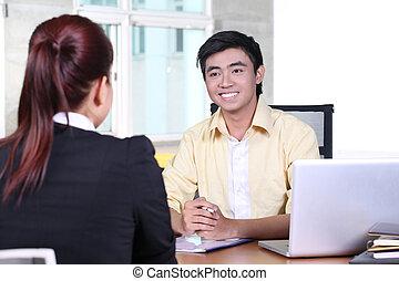 aziaat handel, man, in, sollicitatiegesprek