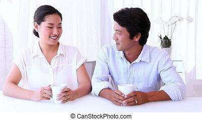 aziatisch paar, uitgeven, de, morgen, samen