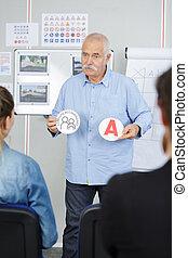 azionamento istruttore, esposizione, uno