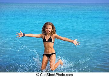azul, biquíni, executando, pular, menina, praia, criança