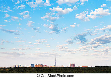 azul, cidade, nuvens, muitos, sobre, céu, pequeno, branca