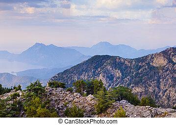 azul, cumes, de, montanhas, vista, de, montanhas, em, amanhecer