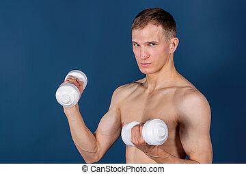 azul, dumbbells, jovem, muscular, closeup, fundo, levantamento, homem