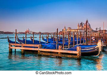 azul, góndolas, venecia, salida del sol