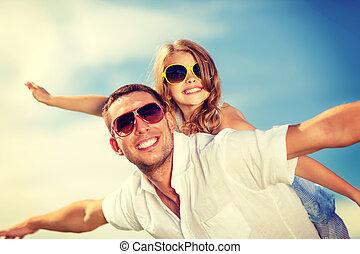 azul, gafas de sol, padre, encima, cielo, niño, feliz