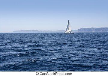 azul, mar, con, velero, navegación, el, océano, superficie