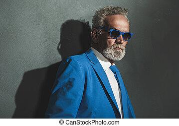 azul, moda, pared, contra, elegante, hombre mayor