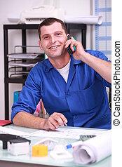 azul, seu, trabalhador escritório, telefone, colarinho