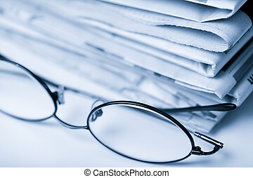azul,  toned, periódicos, anteojos