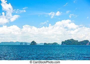 azul, tropicais, oceânicos, e, nuvens, ligado, céu, com, ilha, panorama, viaje destino, phuket, tailandia