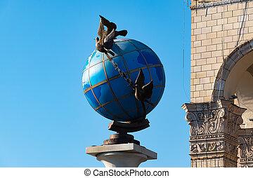 azul, ucrania, cuadrado, alrededor, globo, paz, él, terrestre, palomas, estatua, kiev, independencia