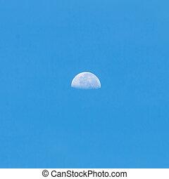 azzurro cielo, luna