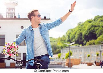 bábu ül, képben látható, bicikli, és, hullámzás, kéz