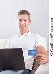 bábu ül, noha, laptop, és, hitelkártya, bevásárlás online