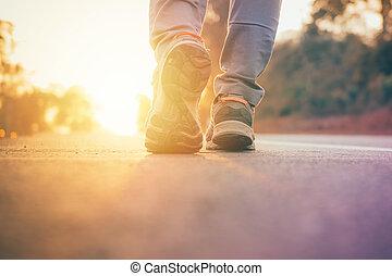 bábu jár, képben látható, út, noha, nap csillogó, fellobbanás, feláll, képben látható, cipő, kocogás, tréning, wellness, munka