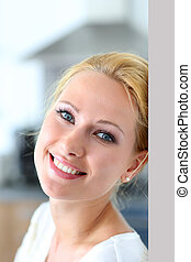 bájos, woman mosolyog, fényképezőgép
