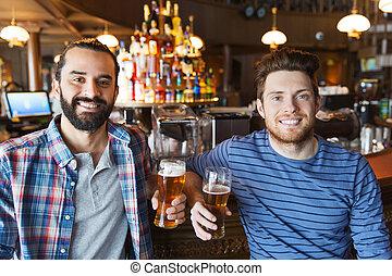 bár, kocsma, sör, ivás, hím, barátok, vagy, boldog