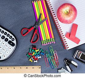 básico, back to la escuela, suministros, colocado, en, erased, negro, pizarra