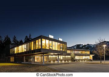 bâtiment, éclairé, bureau, bois, moderne, nuit