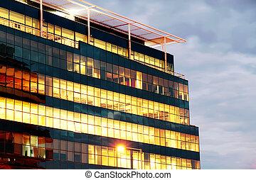 bâtiment, éclairé