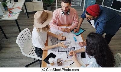 bâtiment, alors, angle, plans, fonctionnement, haut-cinq, élevé, concepteurs, vue