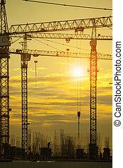 bâtiment, beau, ciel, contre, construction, sombre, grue