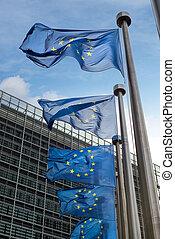 bâtiment, berlaymont, union, commission), drapeaux, (european, devant, belgium., bruxelles, européen