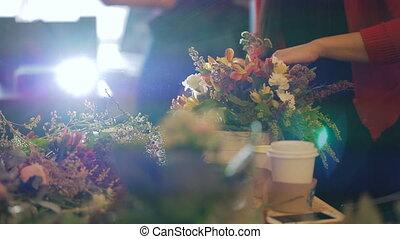 bâtiment, boutonnieres, groupe, fonctionnement, opening., greens., fleuriste, spécialistes, fleurs, conception, grandiose, maître, bouquets