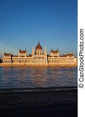 bâtiment, budapest, parlement, coucher soleil, hongrois