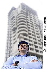 bâtiment, casque, protecteur, fonctionnement, porter, site, debout, arrière-plan., ingénieur