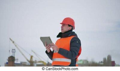 bâtiment, casque, style de vie, hiver, tablette, maison, constructeur, ouvrier, site., construction, architecte, dehors, industrie, homme