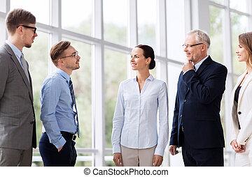 bâtiment, conversation, affaires gens, bureau