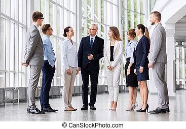 bâtiment, conversation, bureau, professionnels