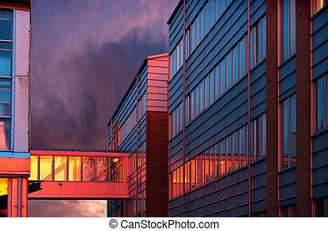 bâtiment, coucher soleil, bureau