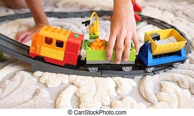 bâtiment, cubes, jeux, salle, rassembler, ensemble, articles, parts., toys.children, jeu enfants, enfant, petit, ferroviaire, jouer
