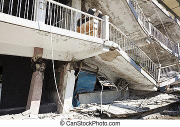 bâtiment, détruit, après, séisme