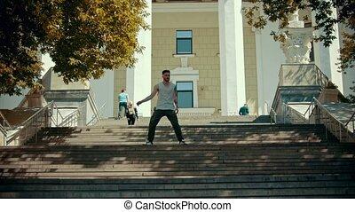 bâtiment, danse, jeune, fond, élégant, escalier, homme
