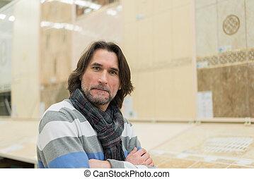 bâtiment, deux âges, matériels, portrait, magasin, homme