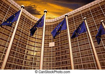 bâtiment, devant, commission, drapeaux, eu, bruxelles, européen